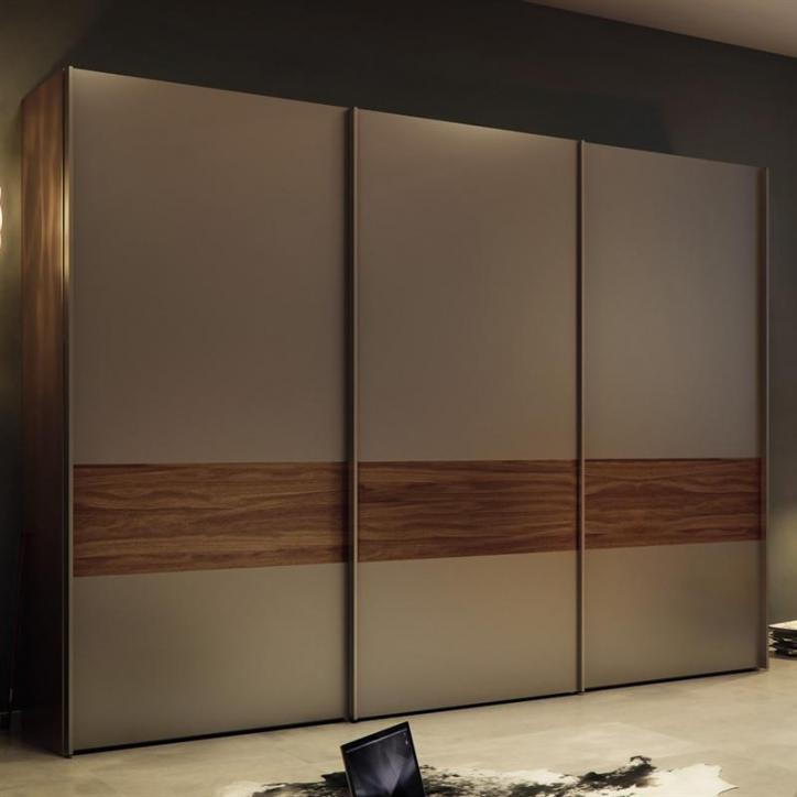 Multi forma ii sliding wardrobe hulsta for Wardrobe interior designs catalogue